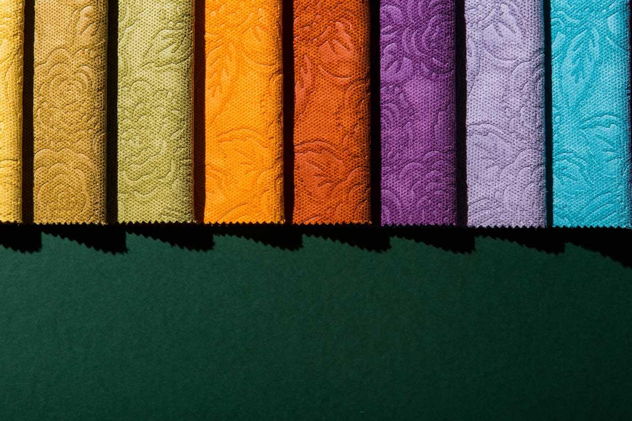 Tessuti per arredamento stoffe e tessuti per divani e for Produzione tessuti arredamento